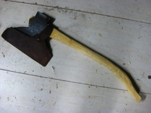"Douglas Pittsburg 9# axehead on a 29"" handle. 32"" from bottom of handle to toe of axehead."